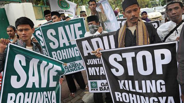 People+protesting+the+horrific+actions+on+Rohingyan+refugees.